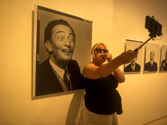 Competition mustaches in the Dali Museum